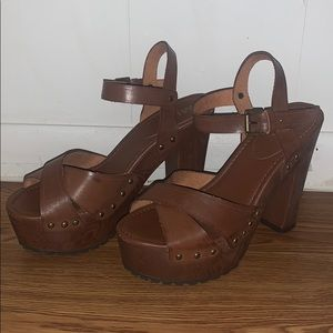 MIA Elly platform heel